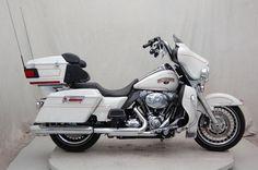 2011 Harley-Davidson Touring Electra Glide® Classic - FLHTCU