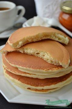 Reteta Pancakes Baby Food Recipes, Sweet Recipes, Cake Recipes, Cooking Recipes, Cooking Food, Romanian Food, Food Humor, Homemade Cakes, Desert Recipes