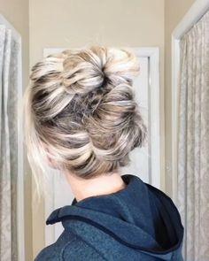 Bun Hairstyles For Long Hair, Pretty Hairstyles, Messy Bun For Short Hair, Hat Hairstyles, Hairdos, Updos, Medium Hair Styles, Curly Hair Styles, Hair Upstyles