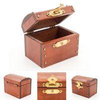 1 12 de bonecas miniaturas Treasure Chest Vintage caixa estojo de couro de madeira em miniatura Doll House acessório brinquedos de madeira para crianças