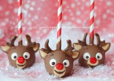 These are the cutest cake pops ever!!!! Defo going to make these this x mas!!!!!