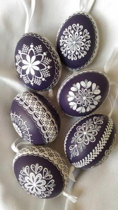 45 Next-Level Easter Eggs Decoration Ideas and Projects - Hercottage Egg Crafts, Easter Crafts, Easter Egg Designs, Easter Ideas, Ukrainian Easter Eggs, About Easter, Egg Art, Egg Decorating, Happy Easter