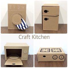 11259422 157633494570108 104753869 n Mer - Diy furniture for kids Cardboard Kitchen, Diy Cardboard Furniture, Cardboard Dollhouse, Diy Barbie Furniture, Cardboard Box Crafts, Cardboard Crafts, Diy Dollhouse, Homemade Dollhouse, Cardboard Playhouse