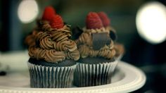 chocolate raspberry cupcakes - could replace the mocha frosting with vanilla and it would be perfect for the theme Chocolate Raspberry Cupcakes, Chocolate Muffins, Chocolate Desserts, Chocolate Torte, Chocolate Heaven, Cupcake Recipes, Cupcake Cakes, Dessert Recipes, Cup Cakes