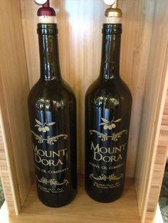 Mount Dora Olive Oil Company, balsamic vinegar in every flavor and pasta Mount Dora, FL Great Restaurants, Balsamic Vinegar, Olive Oil, Red Wine, Alcoholic Drinks, Bottle, Glass, Florida, Pasta