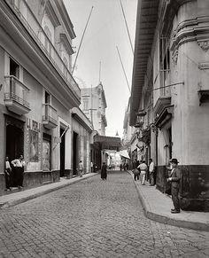 Havana Street: Havana, Cuba 1900 | Documentarist | Historic Photo Archive