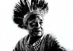 Foto:©LidiaUrani Pajé (curandero) Dua Busè, leader ultraottantenne degli Huni Kuin (del ceppo Awà, Amazzonia dell'Acre)