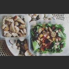 Es bueno saber que hay opciones saludables de delivery  @designyoursalad ----------------------------------------- It's good to know that there are healthy options when you order in   #designyoursalad #fitfam #healthychoices #healthylifestyle #fitnessjourney #fitness #eatclean #fatloss #salads #veggies #comidasana #vidasana #fitness #cleanfood #healthandfitness #fitnessmotivation #almuerzo #healthylunch #goodfoods #vidasaludable #keepitclean by paola.lengua