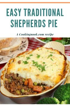 An easy Shepherd's pie recipe. An easy Shepherd's pie recipe. Shepherds Pie Rezept, Best Shepherds Pie Recipe, Shepards Pie Recipe With Ground Beef, Recipe For Sheppard Pie, Sheppards Pie Recipe Easy, Shepherds Pie Recipe Pioneer Woman, Easy Pie Recipes, Dinner Recipes, Recipes