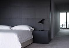 Design Practice: Carr Design Group Pty Ltd Photography: Derek Swalwell #minimalistic bedroom