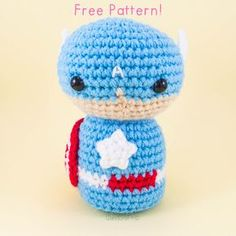 Captain America - Free Amigurumi Crochet Pattern - English Version here: http://snacksieshandicraftcorner.blogspot.com.es/2015/09/captain-america-amigurumi-pattern-free.html