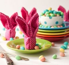 Learn how to turn napkins into these funny bunnies!