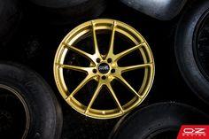 Leggera HLT Race Gold - An exclusive golden piece.