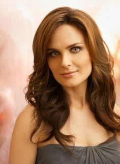 Happy Birthday to Emily Deschanel!!