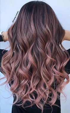 ideas for hair color ideas for brunettes balayage rose gold haircolor – Hair – Hair is craft Brunette Color, Hair Color Pink, Cool Hair Color, Ombre Colour, Rose Pink Hair, Summer Brunette, Hair Colors Rose Gold, Curly Hair Colour Ideas, Rose Hold Hair