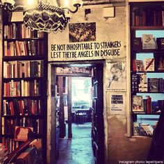 Shakespeare and Company bookstore in Paris. Haunt of expat writers from its opening in 1913 Best Places To Eat, Places To Visit, Monuments, Shakespeare And Company, Like A Local, Paris Travel, Adventure Awaits, Dream Vacations, Beautiful Places