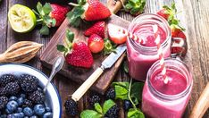 [Recipe] Banana Berry Protein Smoothie - Page 2 of 2 - Drink Me Healthy Protein Smoothies, Smoothie Proteine, Flaxseed Smoothie, Carrot Smoothie, Yummy Smoothies, Weight Loss Smoothies, Blackberry Smoothie, Breakfast Smoothie Recipes, Easy Healthy Breakfast