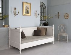 Gustavian Daybed  by Tasha Beds