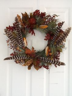Turkey feathers wreath for Fall Feather Wreath, Feather Crafts, Feather Art, Thanksgiving Decorations, Seasonal Decor, Holiday Decor, Autumn Wreaths, Christmas Wreaths, Wreath Fall