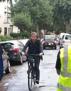 """""""it's funny because you can't drive"""" ugh i wanna move to england and maybe one day i'll just stumble upon martin freeman in his bike! i wish"""