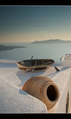 Hasselbach Photography I Santorini is a small, circular archipelago of volcanic islands located in the southern Aegean Sea. Thasos, Places To Travel, Places To See, Beautiful World, Beautiful Places, Santorini Island, Greece Travel, Greek Islands, Belle Photo