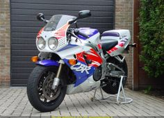 1994 Honda CBR 900 RR....sick bike, I own one