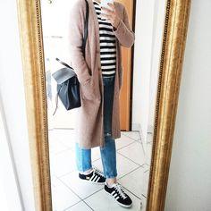 Happy hump day all   Top : @muji_global #muji Cardi : @uniqlo_fr #uniqlo #ユニクロ Jeans : @zara #zara  Sneakers : @adidasoriginals #gazelle Bag : @mansurgavriel #mansurgavriel #happygirlhappybag  #コーデ #ファッション #コーディネート by eiggamigasu