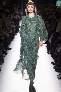 Hermès Fall 2017 Ready-to-Wear Fashion Show 8762fd1ea52