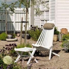 Suchst du noch einen schönen und bequemen Stuhl für deine grüne Oase? Dann ist dieser Stuhl genau das Richtige für dich! Der vollständig ökologische Gartensessel aus solider Buche und Hanfseil ist in zwei Positionen einstellbar.