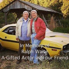 In memory of Ralph Waite. A gifted actor and our friend. Ralph Waite and Mark Harmon. Gibbs Ncis, Leroy Jethro Gibbs, Mark Harmon, Ncis Series, Tv Series, Criminal Minds, Chicago Fire, Ncis Rules, Detective