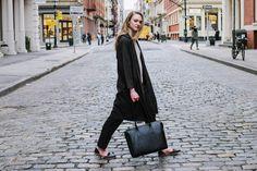 Madison - ONA Bags Die Madison von ONA Bags ist sowohl eine Kameratasche als auch eine Laptoptasche. Sie wurde aus echtem Saffiano Leder handgefertigt und ist ideal für elegante Kreative und das Business. Kameratasche | Fototasche | shootbags.com