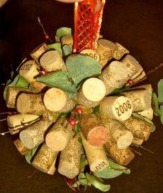 kissing ball Christmas Holidays, Christmas Crafts, Christmas Decorations, Holiday Decorating, Christmas Ideas, Kissing Ball, Liquor Bottles, Bottle Art, Crates