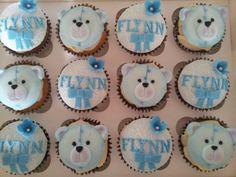 Christening cupcakes with teddies & Sugarveil. Christening Cupcakes, Boy Christening, Cakepops, Baking Ideas, Rock Painting, Painted Rocks, Donuts, Cupcake Cakes, Cake Decorating