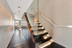 Colin Cowie's nyc/flatiron penthouse offered by CORE.