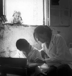 La maestra, cuadro de Pedro Luis Raota, fotógrafo argentino.