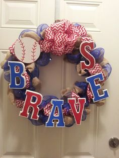 Braves wreath! May have to try this next year for the beginning on the season or even for playoffs...