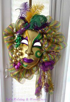 mardi gras wreaths | Showcasing Facebook Friends Mardi Gras Wreaths! Trendy Tree Blog
