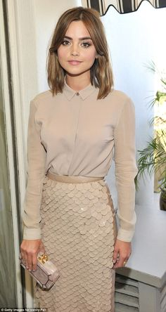 Doctor Who star Jenna Coleman dazzles in nude at Hollywood party Jenna Coleman Style, Jenna Coleman Hair Short, Jenna Coleman Haircut, Hair Inspo, Hair Inspiration, Gamine Style, Soft Gamine, Monochrome Outfit, Fringes