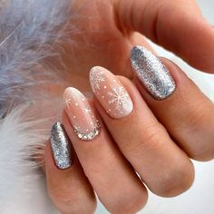- Nageldesign - Easy Valentine's Day Nail Art Ideas Designs 2019 40 cute winter nails designs to inspire your winter mood page 28 Cute Christmas Nails, Xmas Nails, Christmas Nail Art Designs, Winter Nail Designs, Holiday Nails, Christmas Design, Christmas Ideas, Chrismas Nail Art, Green Christmas