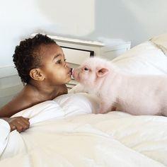 Bath time kisses!! #pearlspigtales #libbyandpearllove