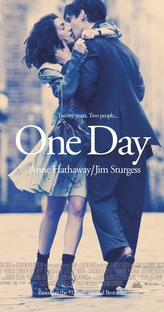 One Day on DVD November 2011 starring Anne Hathaway, Jim Sturgess, Romola Garai, Jamie Sives. Dexter (Jim Sturgess) and Emma (Anne Hathaway) meet for the first time during their graduation and proceed to meet one day a year for the ne Anne Hathaway, Beau Film, Movies And Series, Movies And Tv Shows, One Day David Nicholls, Love Movie, Movie Tv, Perfect Movie, Romance Books