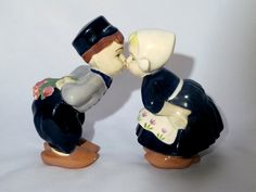 vintage Dutch kissing figurines / Dutch figurines / hand painted figurines / Kissing figurines / boy and girl kissing.