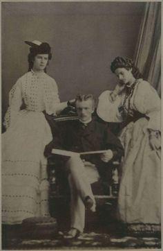 Elisabeth met haar broer Karl Theodor en zijn vrouw Maria Braganza in 1863 door Oscar Kramer.