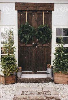 Rustic Christmas, love the front door