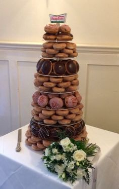 Wedding With Kids, Our Wedding, Wedding Ideas, Doughnut Stand, Doughnut Wedding Cake, Wedding Favors, Wedding Cakes, Dream Vacation Spots, Christmas Events