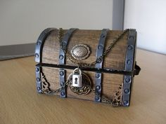 Miniature pirate treasure chest by PocketPygmies on Etsy Old Trunks, Trunks And Chests, Antique Trunks, Wooden Trunks, Antique Chest, Pirate Treasure Chest, Treasure Boxes, Pirate Theme, Pirate Box
