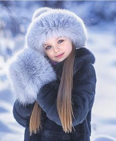 Anastasia Knyazeva - 5 years ❤ Gorgeous little girl Jun Beautiful Little Girls, Cute Little Baby, Beautiful Children, Beautiful Babies, Cute Girls, Kids Girls, Baby Girl Fashion, Kids Fashion, Fashion Fashion