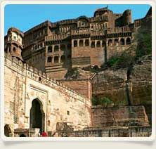 Rajasthan is blessed with mesmerizing attractions which are countless in number. Step into any of the cities or villages of Rajasthan; each has something interesting to offer to its tourists. Rajasthan is in fact the most admirable tourist destination on the map of India. Tourism is one of the most important sources of income for the state. The credit goes to its attractions which can entice even the most jaded tourist.