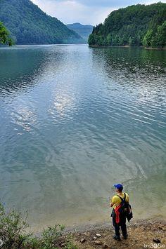 Oaza de liniște a orașului se află in zona de agrement Firiza, pe malurile lacului cu același nume. Lacul a fost construit pentru alimentarea cu apă a orașului Baia Mare, în prezent folosit și în scop recreativ, fiind unul din locurile preferate ale cetăţenilor urbei.