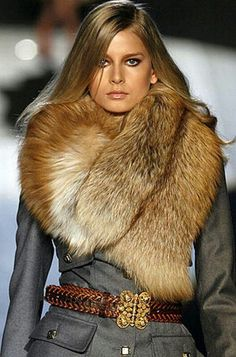 Red fox Fur collar/ Do this look in faux fur.